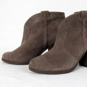 Vince Camuto Greyish Brown Bootie Chunky Heels 7.5